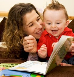 bookstart-mum-and-baby